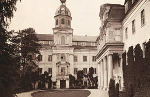 Innenhof des Schloss um 1890
