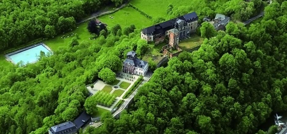 Luftbild von Schloss Schwarzburg - Bild: Thür. Stiftung Schlösser und Gärten